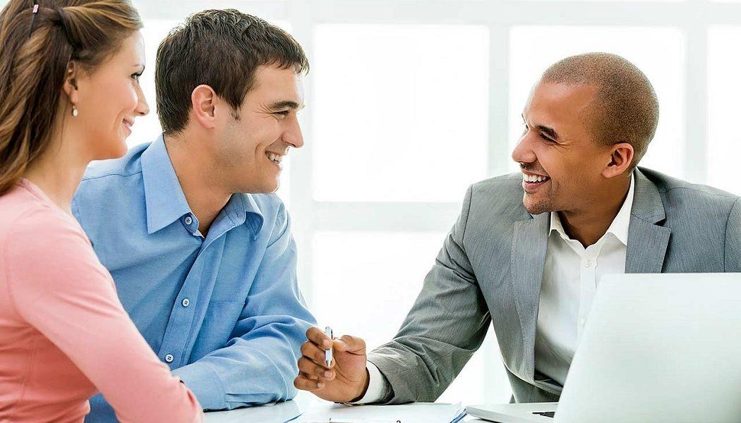 Financial Advisor bring for Wealth Management